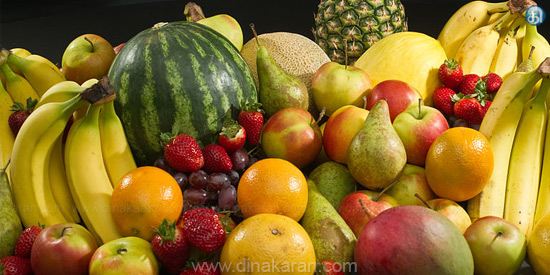 Is it right to eat fruits in a stomach?