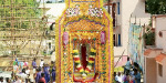Mother Temple of the Sacred Chariot procession Kayathar Lourdes: Christians attend mass