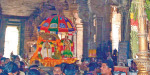 Thiruvanaikaval with the hoisting of a flag ettutti Mar Chariot festival at the temple Opener