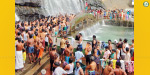 Shower in Courtallam waterfalls in the absence of water in the sting: Excited tourists