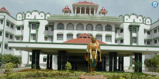 Sasikala went to jail Ministers are postponing the judgment on the disqualification case