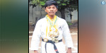 Languishing in economic trouble Magnificent young player in karate
