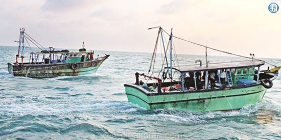 The fishermen who snatched the fishermen and nets worth Rs.3 lakh in the middle of the Nagas fishermen