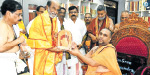 Rajini's sudden darshan at the Raghavendra Temple in the Mandalayam