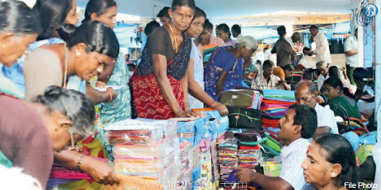 As the summer is approaching, Cotton Textile Sales in Erode Market