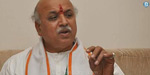 Pravin Togadia sees plot against him, mentions senior Gujarat