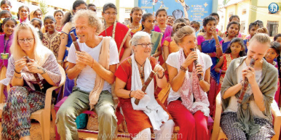 Pongal Festival in Kadayanallur School: Foreigners participation