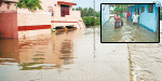 Heavy rain near gobi: 1000 houses collapsed wall of water began offering student