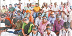 Sasi Perumal in town struggle in the eyes of black cloth tied