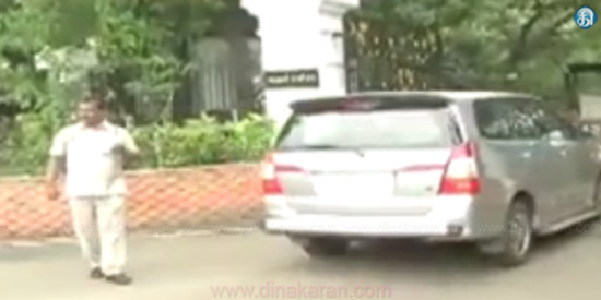 TTV Dinakaran support MLAs in the Governor's House