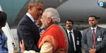 Currently, the Modi acattukirar Obama to India, despite the difference in clothing.