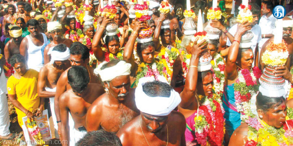 Bizarre in the straw in the body around the temple festival VOW Melur