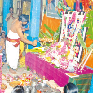 Special worship at Thenkasi Perumal Temple is celebrated for Purattasi Monarchy