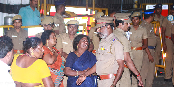 Party workers shocked after hearing the death news of Jayalalithaa