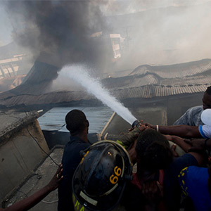 Haiti frightened fire in textile markets: shops burned down Tears of shop owners