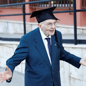 Age is in the mind ... there is no barrier to achieve ... a false old man who graduated at the age of 96 !!