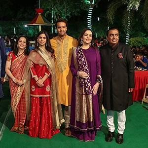 Mukesh Ambani's daughter Isha Ambani and Anand Parmal are doing a wedding wedding!