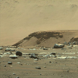 Percussionist sends new photos of mountains and rocks on Mars to Earth !!