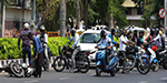 'No entiri' from the board to disregard traffic rules and people with police officer