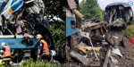 2 trains collide head-on in Czech Republic !: 3 dead..more than 50 injured .. !!