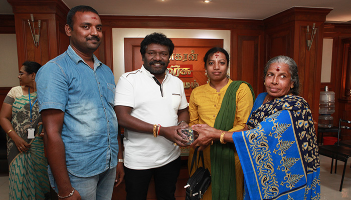 Vinayagar Prize for Sandhvi, Dinakaran: Actor Karunas and Prasanna Prize for the winners