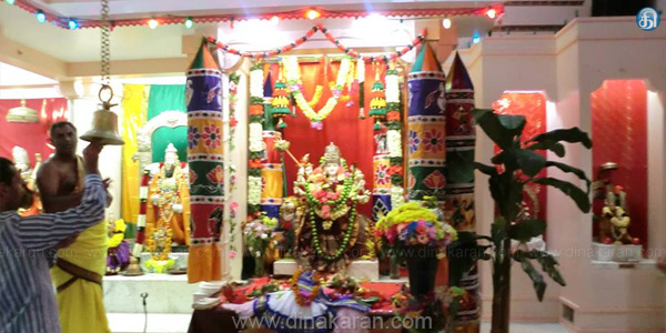 Navratri festival in the United States Hindu temple