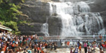 Courtallam waterfalls are less crowded caralinri hot bath in a long line of fire