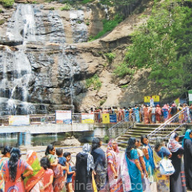 people disappointed has the water got reduced in Courtallam Falls: