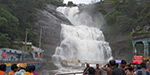 Heavy rain and flooding in Courtallam waterfalls 3