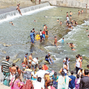 Tourists accumulated in Mettur Dam