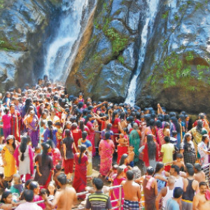 The place where the devotees threw the Kalakkadu pillow pavilaiyam is a delighted tourist