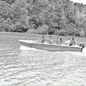 Boating on the Picara Dam: Tourist Interests