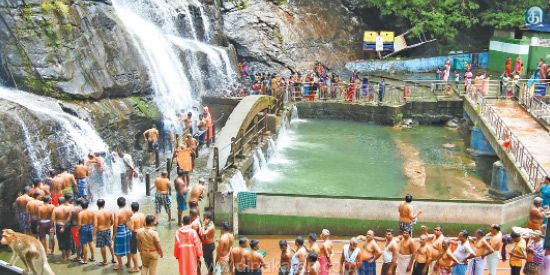 Sudden Sorrow in coutralam Tourists are happy