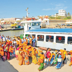 8 thousand people viewed Thiruvalluvar on the same day in Kanyakumari