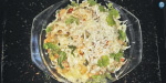 Chicken, onion, onion, broccoli, turquoise cheese, peppers, oregon, roulette flakes